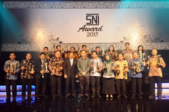 pemenang sni award 2015